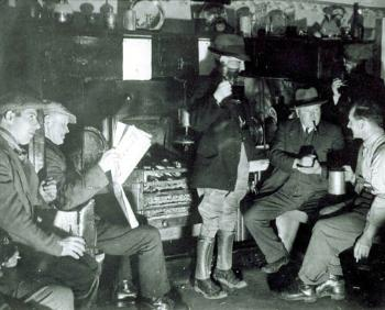 Inside the Crown Inn about 1938 [X758/1/12/31]